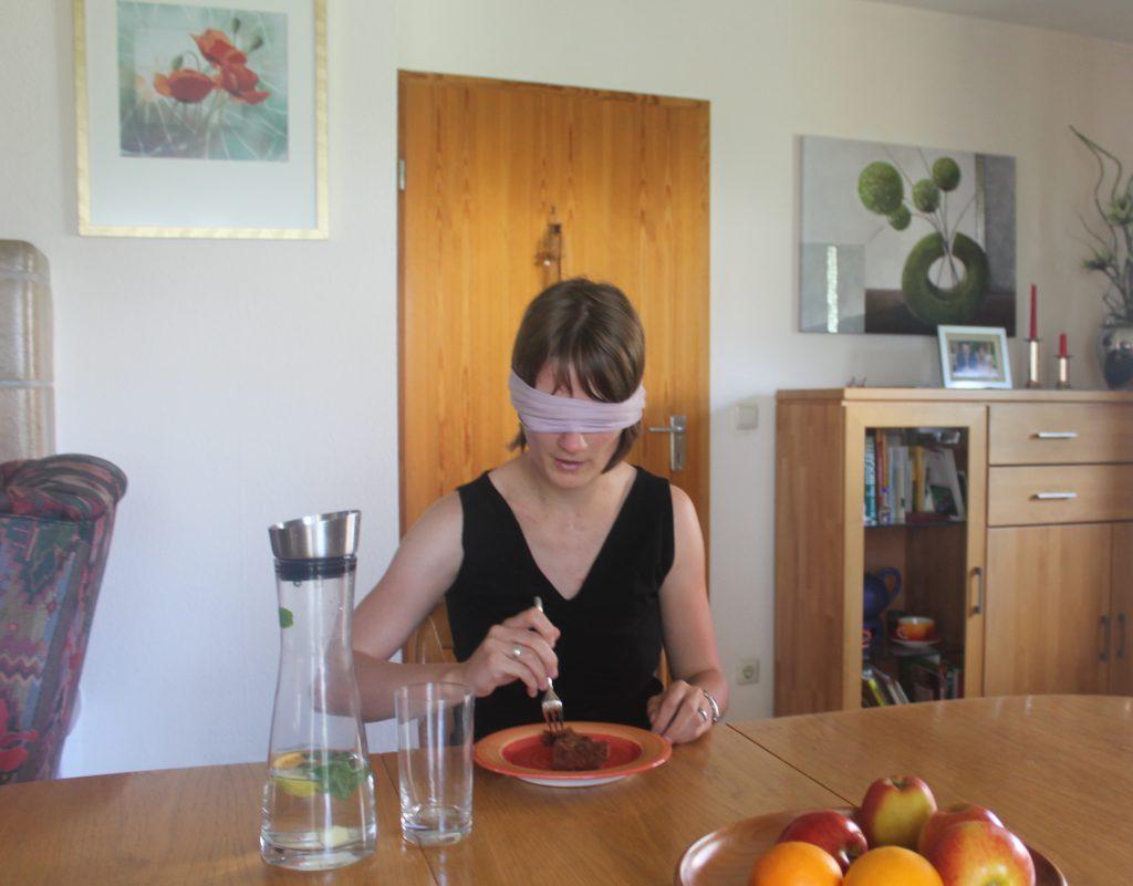 Christina Sack im Selbstversuch Sehbehindert