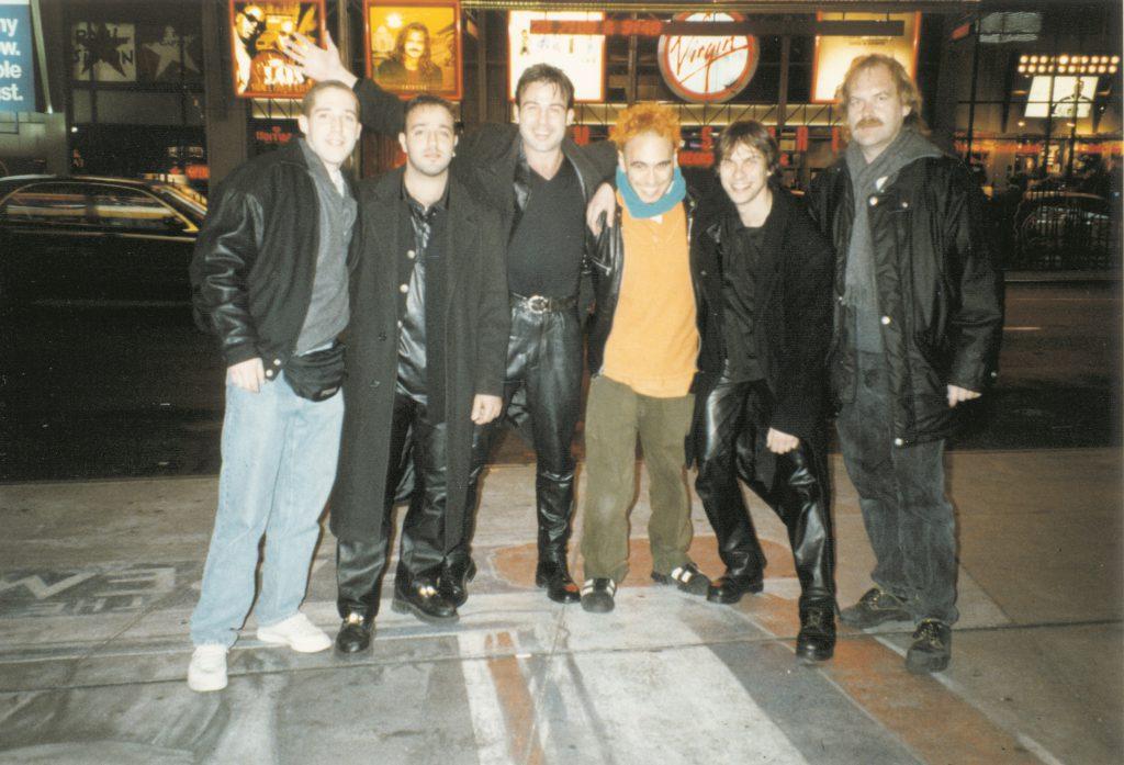 Dreharbeiten in New York. Ganz rechts Thomas Neuberger. Ganz links die beiden Filmemacher Alex Berberich und dritter von rechts Paul Yates