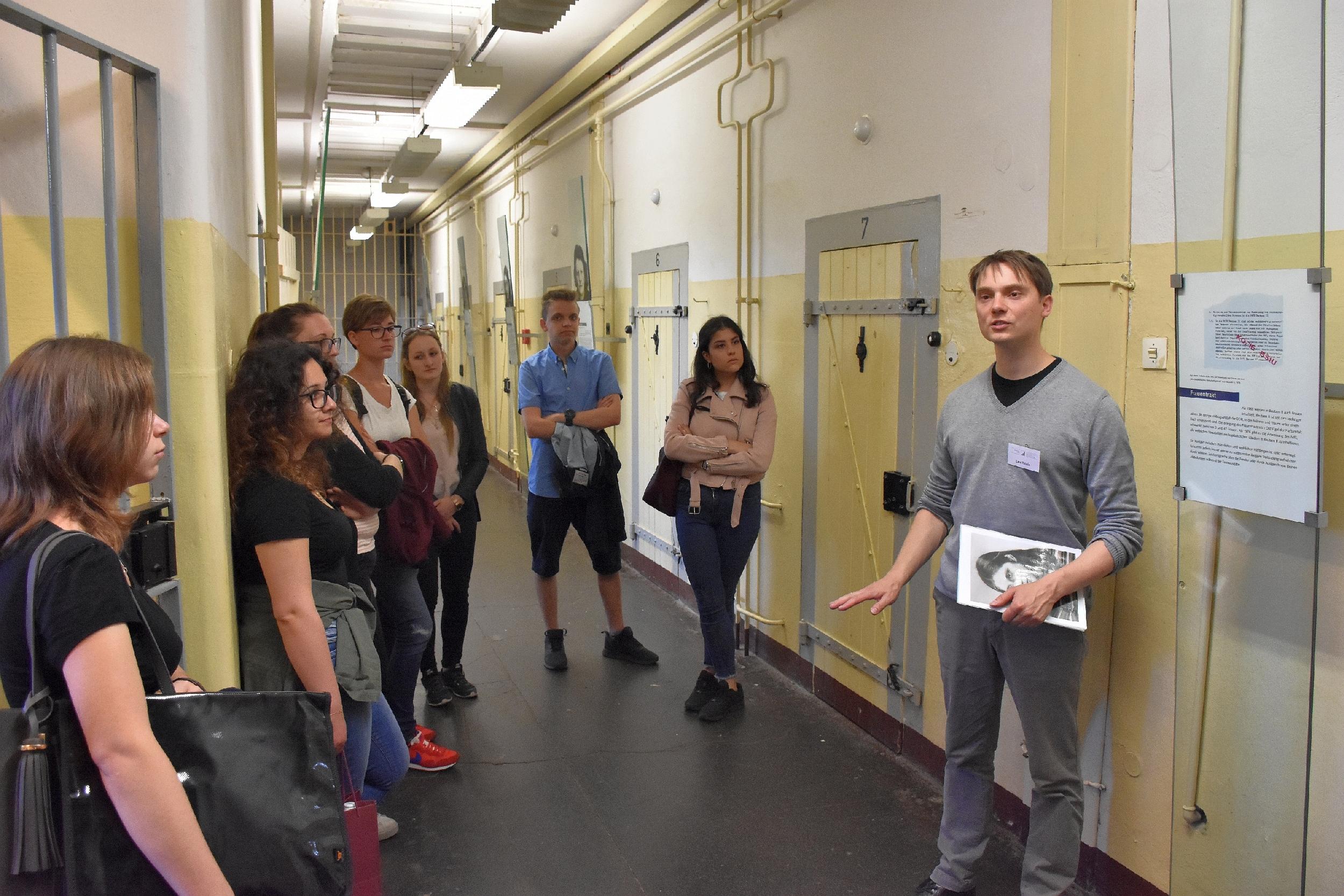 Stasi-Gefängnis in Bautzen besucht – BlickLokal