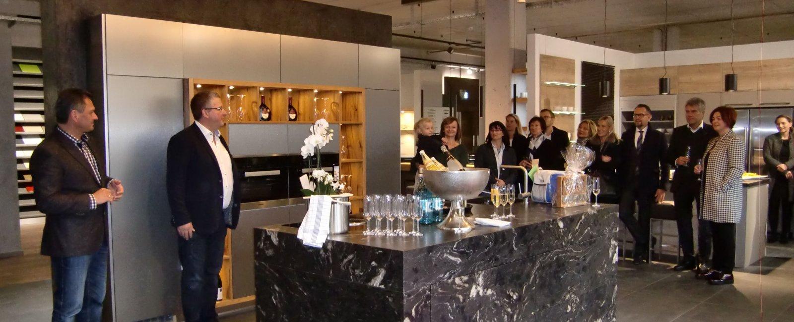 Küchenhersteller ergänzt Angebot auf dem Almosenberg Küchen Fries